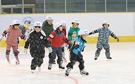 小学生スケートスクール 白鳥王子アイスアリーナ